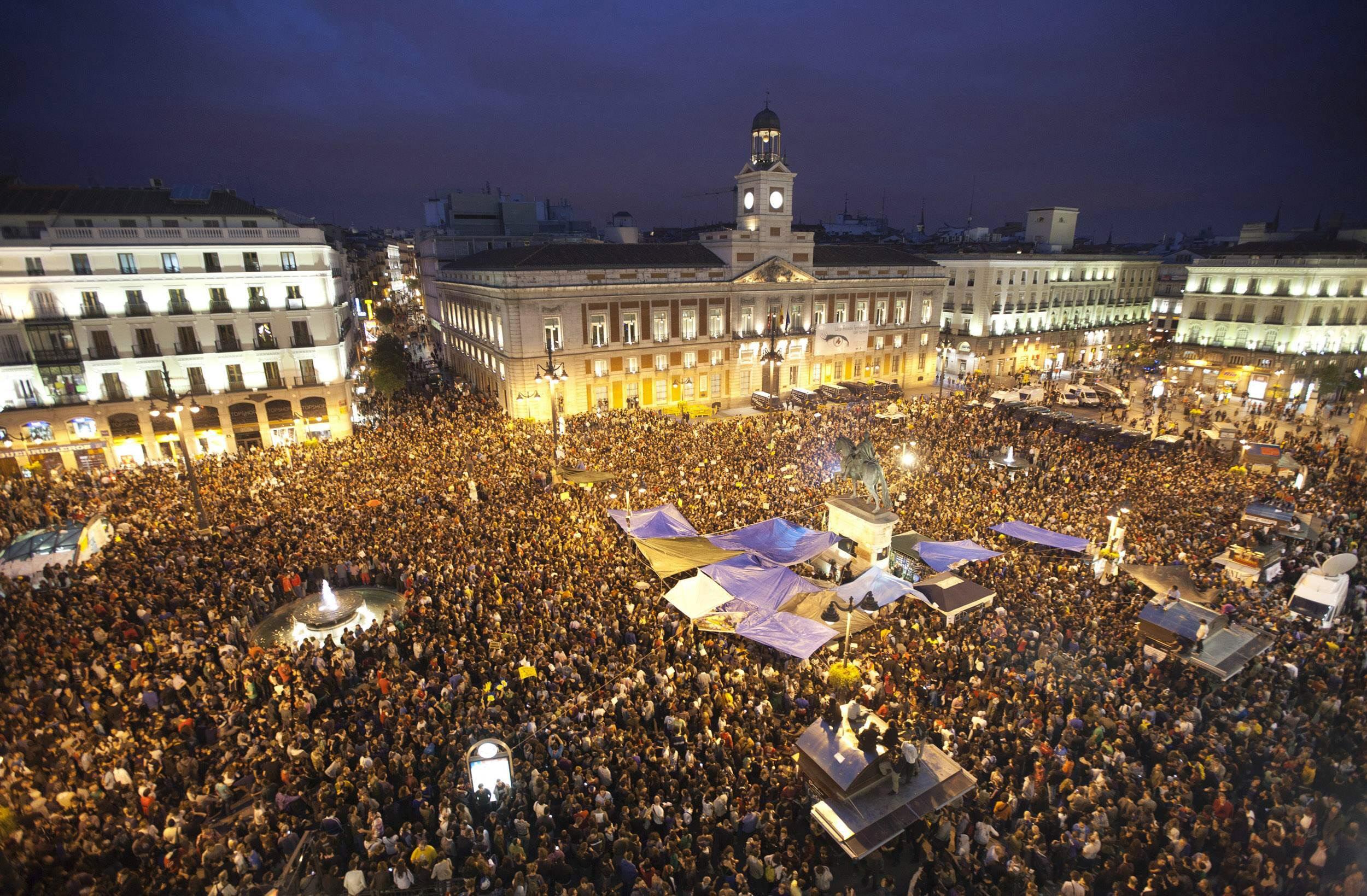 10 consejos para comerte las uvas esta nochevieja en madrid for Puerta del sol en nochevieja