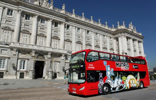 hop-off-bus-tour-madrid